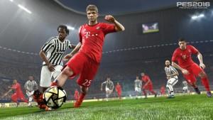 PES2016_DP1_Bayern_v_Juventus_2-Large